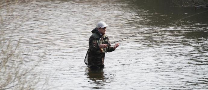 cinco de cada seis licencias de caza y pesca fluvial en