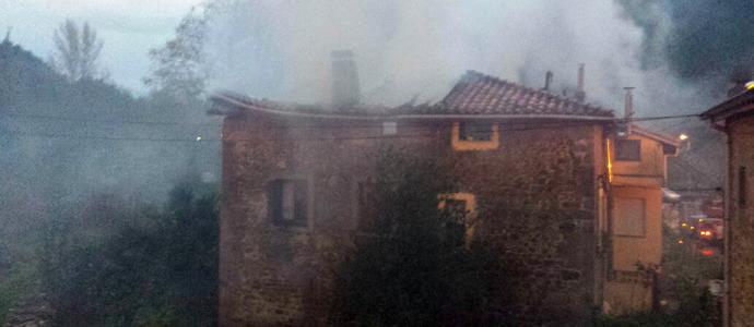 Extinguido el incendio en una vivienda en Guriezo