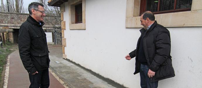 Enmedio elimina las humedades de la oficina de extensi n for Oficina comarcal agraria