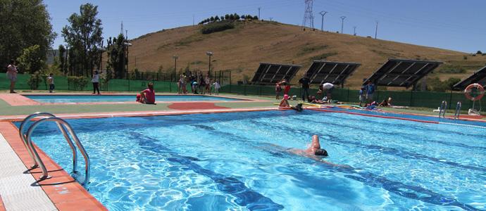 Valdeolea abre ma ana las piscinas municipales for Piscina municipal campos