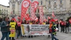 Los trabajadores de correos exigen m s plantilla y for Oficina de correos las rozas